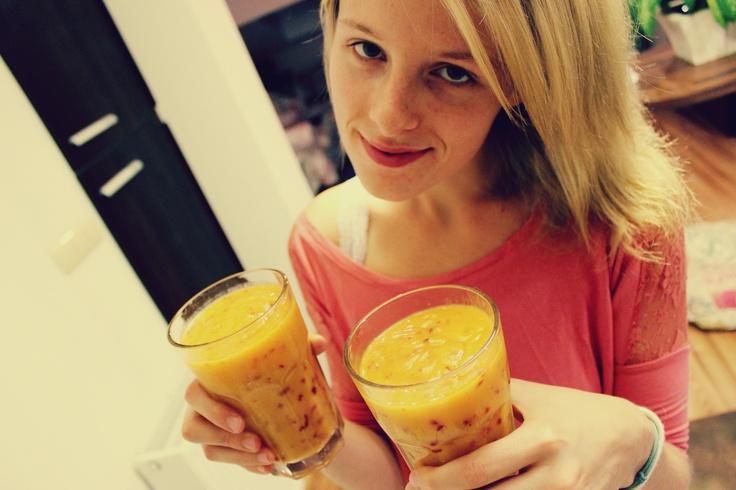 mango smoothie day! duzosole.blogspot.com