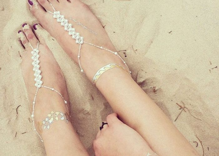 手作りも出来ちゃう!『ベアフットサンダル』でビーチウェディングを裸足で楽しむ♡