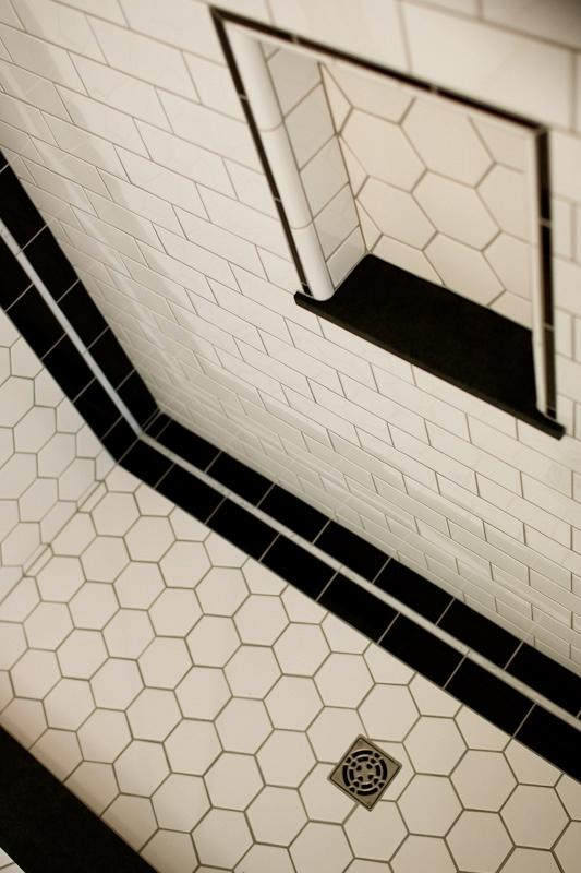 art deco bungalow bathroom shower bad pinterest badrum hus och design. Black Bedroom Furniture Sets. Home Design Ideas