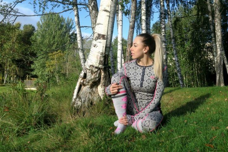 Klassisk fra Kari Traa!  Rose LS - Ebony, er en av høsten og vinterens favoritt hos mange! Norsk design, myk og komfortabel! Du kan ikke gå feil!