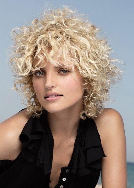 Frisuren Für Kurzes Dauergewelltes Haar Dauergewelltes Frisuren