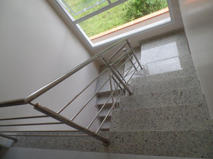 Escada em Granito Arabesco