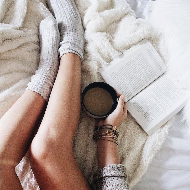 Fall is here, get cozy. How are you spending the weekend? Warm socks, soft blanket, tea, and a good book? : @__therealog__