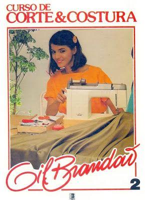 CURSO DE CORTE E COSTURA O livro curso de corte e costura é uma obra muito completa que ajuda teoricamente quem pretende costurar. Lembre-se a prática é mu