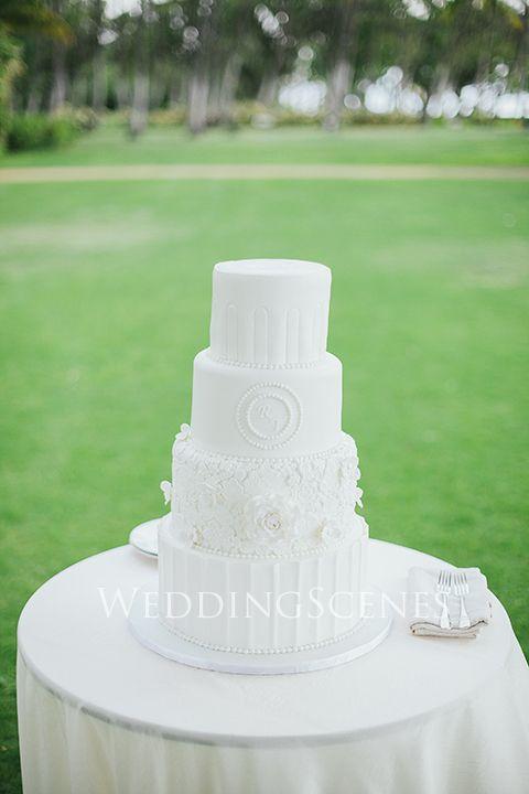 ガーデンウェディングにも◎結婚式の白いクラシカルなウェディングケーキまとめ一覧♡
