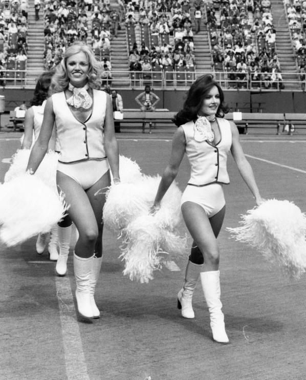 Philadelphia Eagles Cheerleaders, Walk Out Unto The Field - September 24th 1978