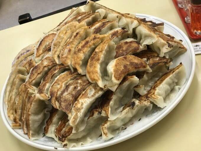 神楽坂飯店 新宿区 デカ盛り ジャンボ餃子と100コ餃子同時大食いチャレンジメニュー 料理 レシピ 食べ物のアイデア グルメ