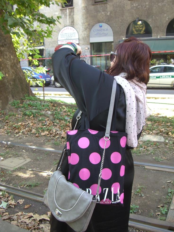 Waiting... PolkaDot :-) D&G;, Viale Piave, Milan - 22 september 2011 #MilanFashionWeek #D&G; #Yellow #PolkaDot Ph. Cristiana Stradella/FiloAgoGo