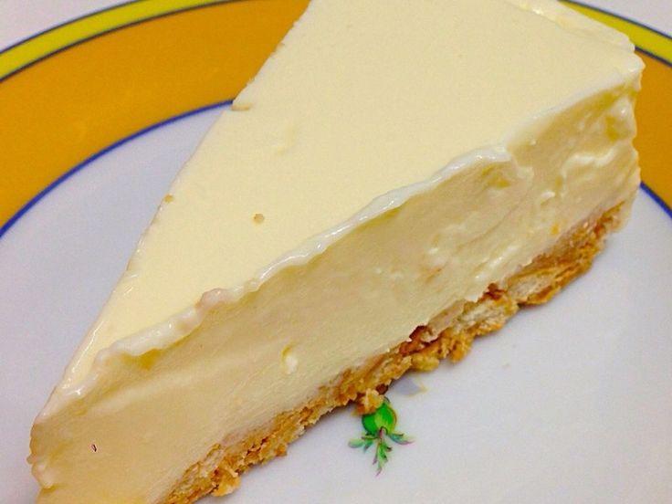 なんか、甘いものが食べたいと息子。 「んじゃ作れば?」 んで、彼はレアチーズケーキを作ったのであった。 しかもこれが震えるほど美味かったのでした。