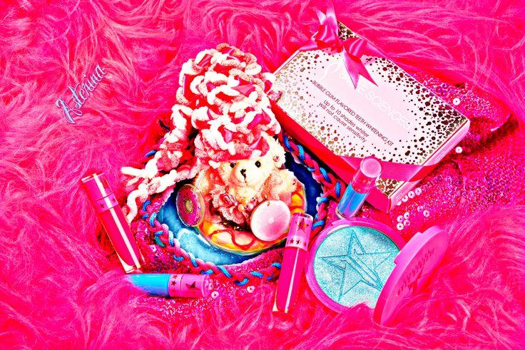 Rubi whitening her teeth while floating on Donuts 😇🍩 #smilesciences #smile #teethwhitening #beauty #fashion #style #model #happy #getready #saturdaynight #ladygaga #kawaii #tokyo #sunsetcocktails #fashiondesigner #dior #jeffreestar #liquidlipstick #カワイイ系 #毎日新聞 #記者 #メイクアップアーティスト #レースフロントウィッグ #作品 #コンテスト #nhk #原宿 #日本テレビ #電通 #ファッションデザイン #六本木ヒルズ