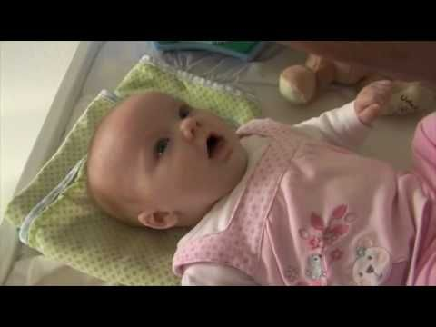 """10 Week Old Baby Stuns Her Parents by Saying """"I Love You"""""""