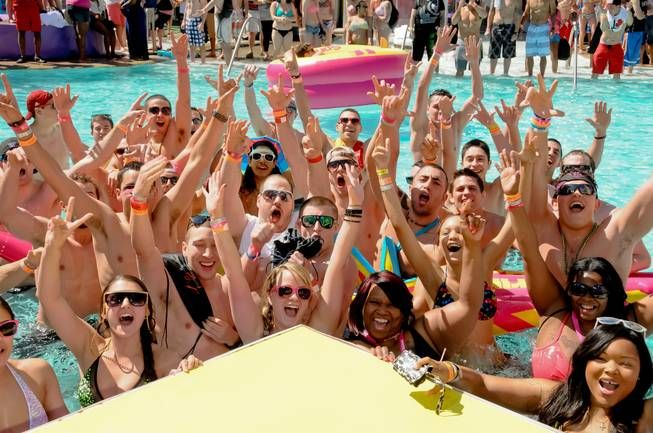 Cool temperatures don't chill MTV spring break party at Palms
