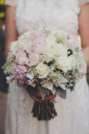 light pink and white rose bouquet // photo by SammBlake.com