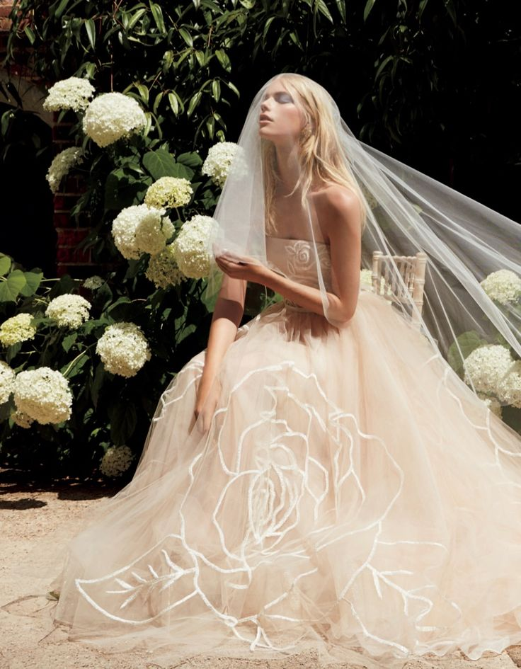 Vogue Japan's most recent wedding special, the magazine embraces pastel shades. Photographer Nicole Nodland