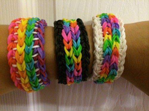 """Várias pulseiras """"rainbow loom"""" grandes e gordas cor de arco-íris"""