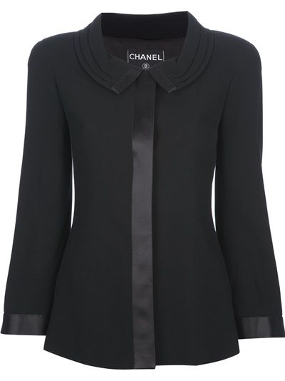 I die for this jacket. Chanel Vintage Skirt Suit. One day.