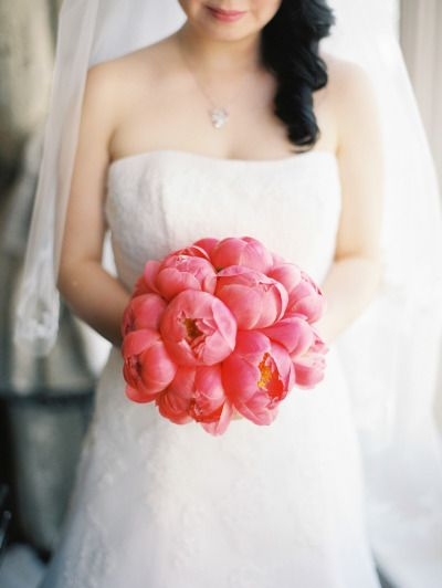 Pink peonies: http://www.stylemepretty.com/2015/04/14/spring-london-kew-gardens-wedding/ | Photography: Polly Alexandre - http://alexandreweddings.com/