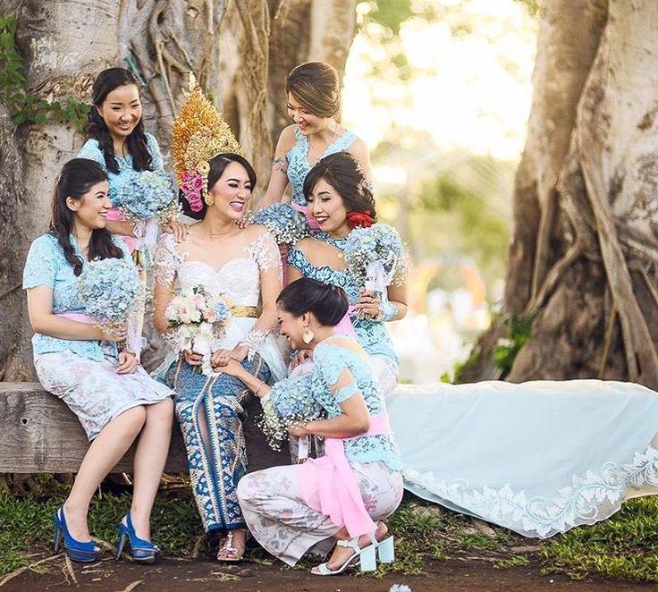 #bridesmaid #bridesmaidkebaya #bridesmaididea #bridesmaiddress #indonesianbridesmais