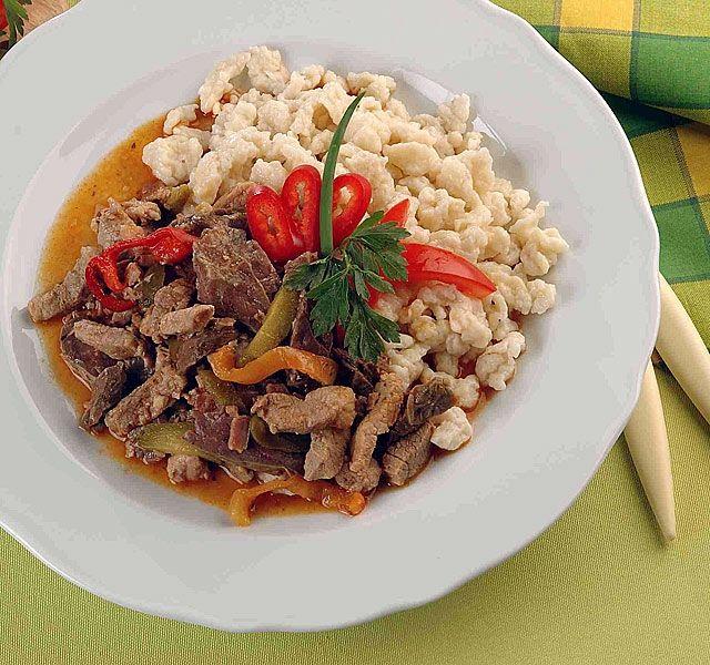 Egy finom, szaftos tokány számtalan változatban elkészíthető – attól függően, milyen alapanyagokat és fűszereket kedvel a háziasszony.