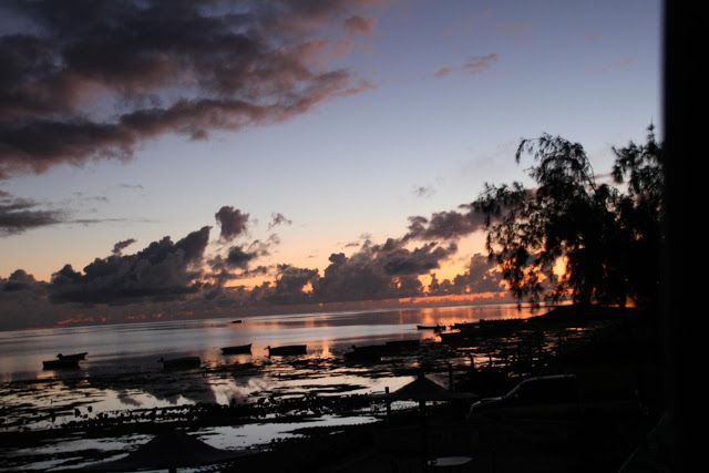 Voyages & Expériences: Rodrigues: Coucher de soleil sur l'Océan Indien!