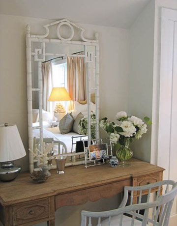 desk: Powder Room, Decor Ideas, Dressing Tables, Small Bedrooms, Dresses Tables, Bedrooms Design, Bamboo Mirrors, Master Bedrooms, Bedrooms Ideas