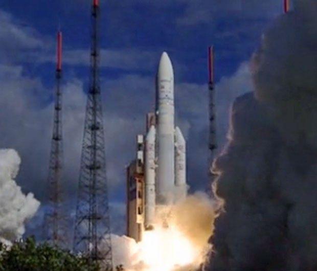 Imagem da decolagem do Ariane 5 ECA, em 25 de julho de 2013 na Guiana Francesa (Foto: Reprodução/Agência Espacial Europeia).29/04/2014.
