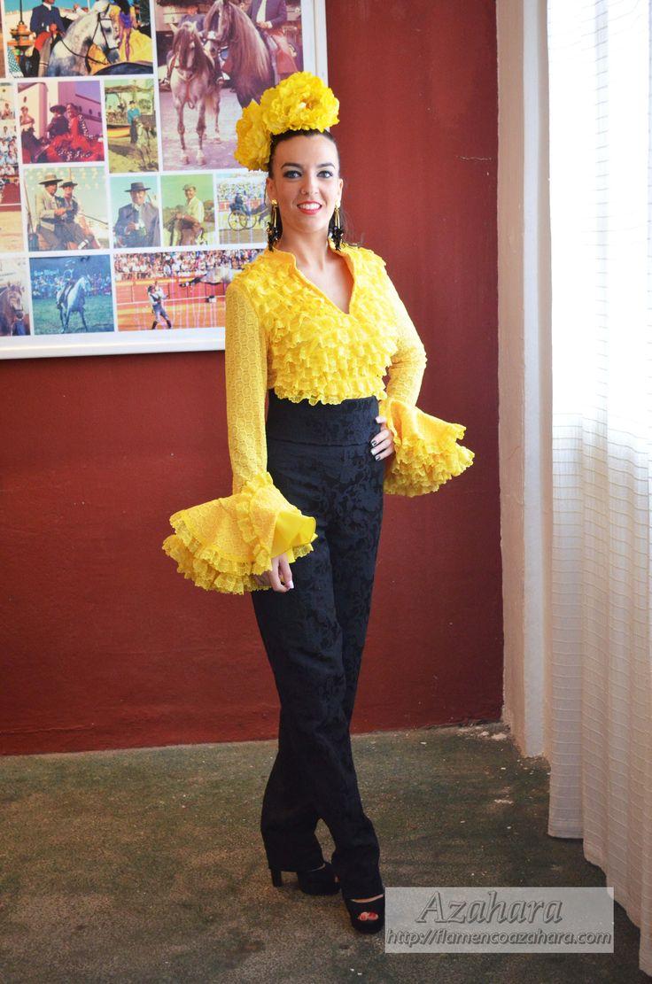 #camisaflamenca #pantalonflamenco #amarillo #flamencagomez #Azahara #ModaFlamenca #Fuengirola #moda