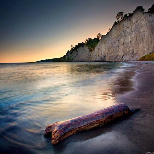 Thumbs Up: The Scarborough Bluffs in Ontario!   Photo credit: Argen Elezi Photography