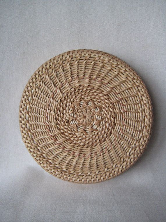Spring table decor Handwoven wicker plate от Viyaswickerworks