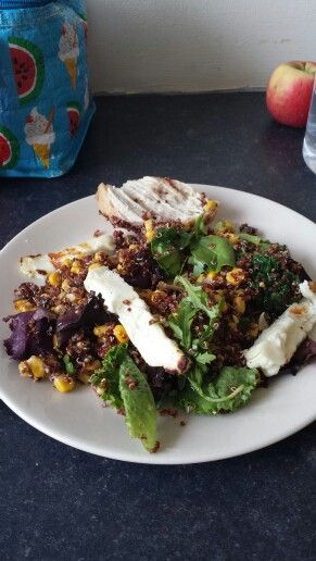 Chicken, cooked spinach, halloumi, rocket, sweetcorn, blackbeans, peppers and quinoa.