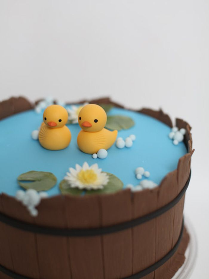 Cute fondant Barrel Cake. Could also be done with Kit-Kats around the outside.