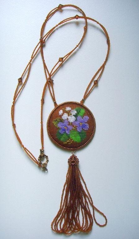 """Купить Кулон """"Весенние цветы"""" - коричневый, Вышивка бисером, цветочный, кулон, фурнитура под бронзу"""
