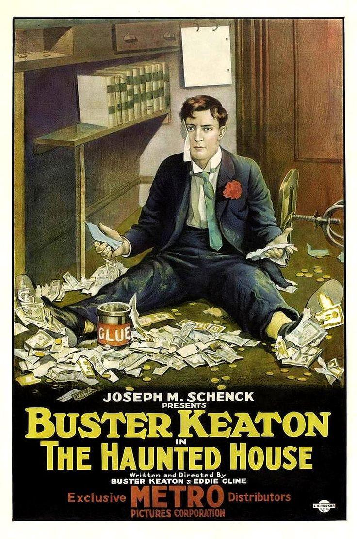 DVD CINE 2450-II - Pamplinas y los fantasmas (1921) EEUU. Dir: Buster Keaton e Edward F. Cline. Comedia. Terror. Sinopse: Buster Keaton é un empregado de banco, sempre servicial cos seus clientes, especialmente se se trata de belas damiselas. Despois de montar unha lea das gordas cos billetes e un potente pegamento, vai parar a unha casa supostamente encantada, aínda que en realidade todo consiste na treta dunha banda de ladróns