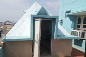 Sri Sanjeevi Pyramid Meditation Center,year of construction : 2012 size : 9ft x 9ft (roof top) | capacity : 10 persons cost incurred :  15 lakhs | type of structure : RCC timing : 5AM-11PM, open for public use technical support : Ramesh, +91 74167 62324 contact : P Venkata Subbaiah, +91 94407 99842 address : 18-1-369/A1, Bhavani nagar, Tirupati. http://www.pyramidseverywhere.org/pyramids-directory/pyramids-in-andhra-pradesh/rayalaseema/chittoor-district
