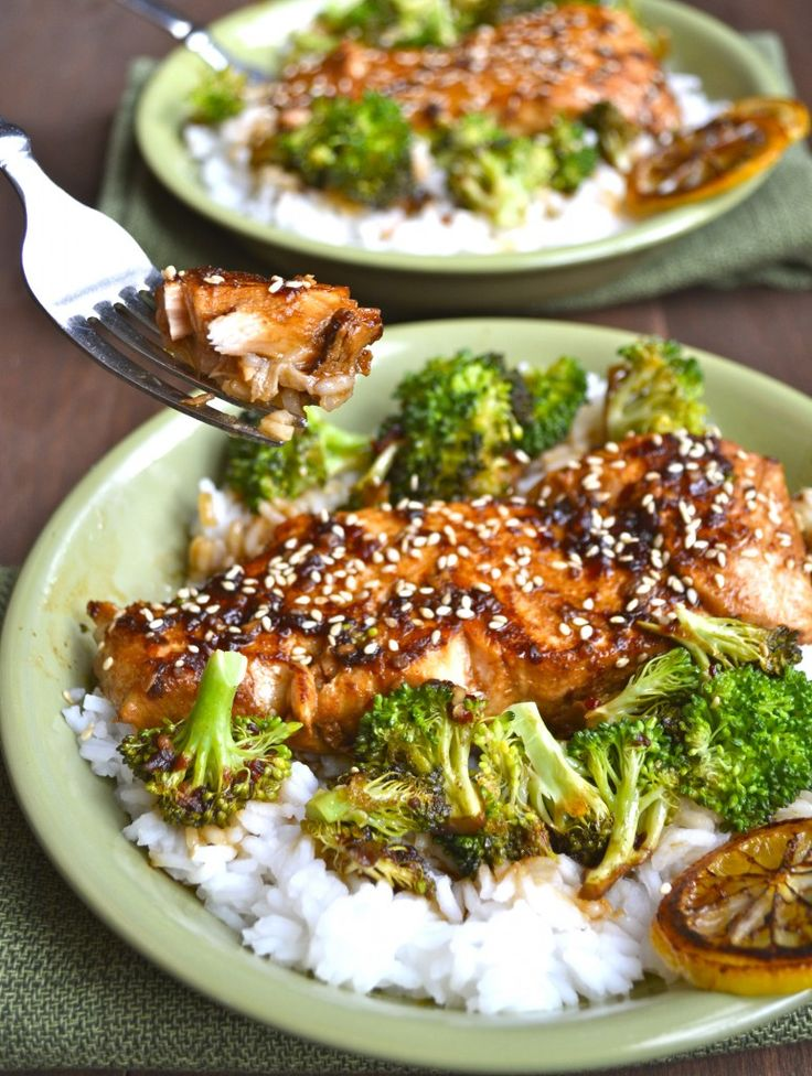 Pan-seared salmon, fresh broccoli, and a flavorful chili garlic sauce are paired with jasmine rice to make a delicious, healthy dinner in under 20 minutes!