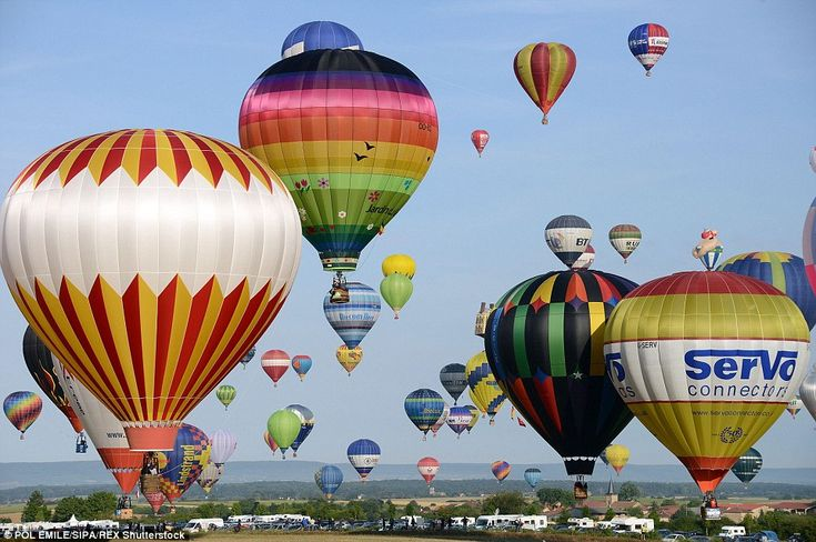 Drifting: A total of 433 hot air balloons broke the previous record that was set in the sa...