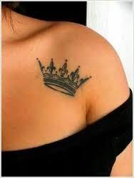 krone tattoo on shoulder girl – Suche auf Google   – kronen Tattoos