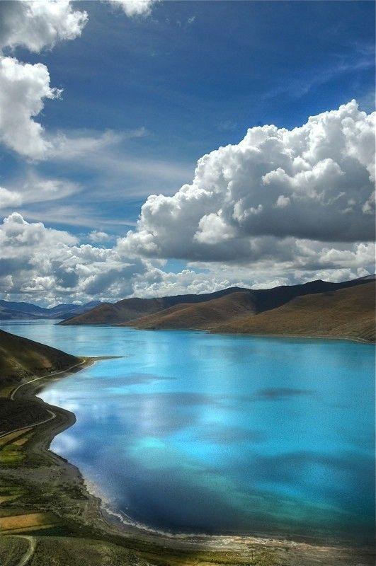 Der heilige Yamdrok See, Tibet