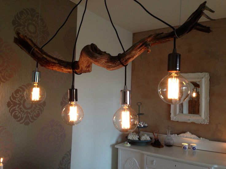 Lamp made of Wood found on the beach. Good idea as dinningtable fixture! ❤️