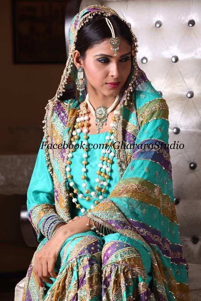 Chatapati Gharara by Gharara Studio. Beautiful and royal designs specially for you.  #gharara #gharara4u #ghararadesign #GhararaStudio #bridalgharara #weddinggharara #lehenga #customisedgharara #orderonline #meetus #royal #elegant #handwork #embroidery #zari #dabka #kundan