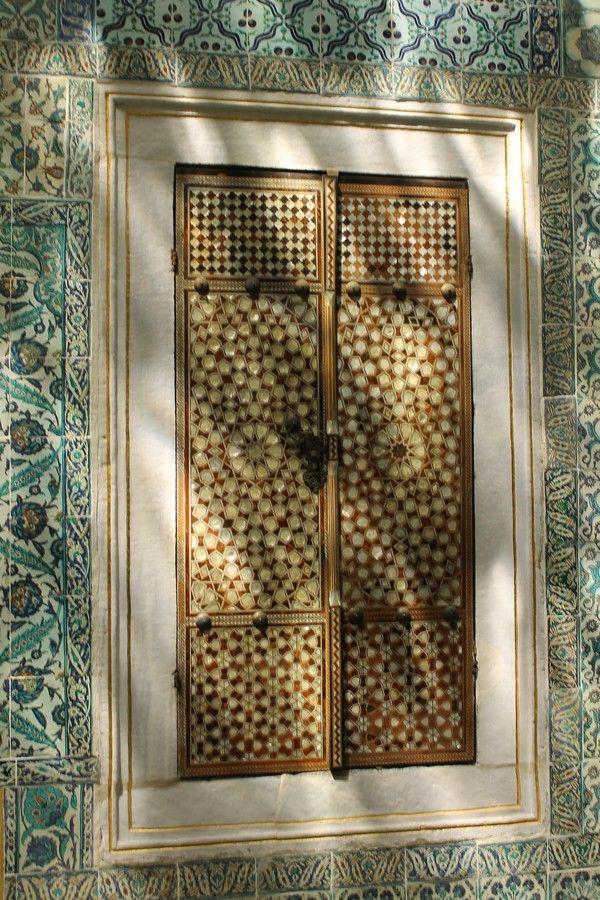 uncommonjonesTilework in the Topkapi palace harem by Ashwin Bahulkar, Istanbul, Turkey
