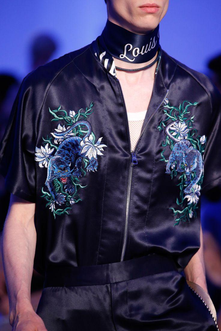 Detail at Louis Vuitton Spring-Summer 2016 Men Fashion Show #PFW #RTW #SS16 #LouisVuitton #LVMH