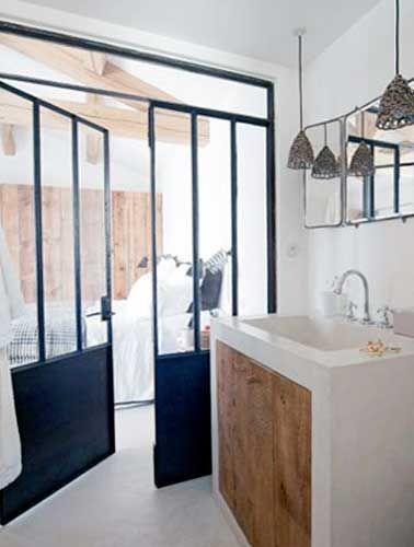 5 fa ons de s parer la salle de bain dans une suite for Cloison separation industrielle