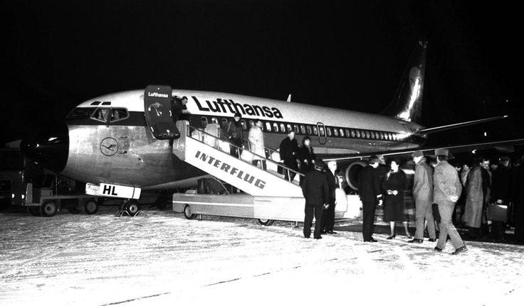"""Im April 1991 war dann Schluss: Die """"Interflug"""" wurde Geschichte, die Lufthansa hatte einen Konkurrenten weniger auf dem deutschen Markt. Hier ein Bild von 1990 auf dem Flughafen Dresden. Foto: Imago"""
