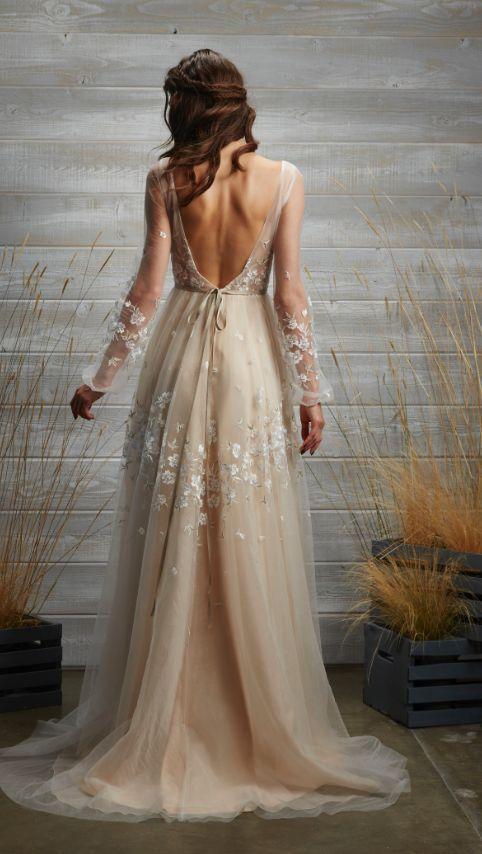 Tara Lauren Wedding Dress Inspiration // MODwedding