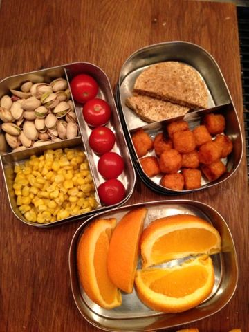 What Vegan Kids Eat: VEGAN Kid Lunches- good ideas for healthy lunches to use eventually
