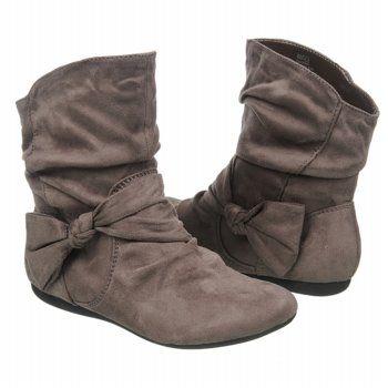 las botas $27