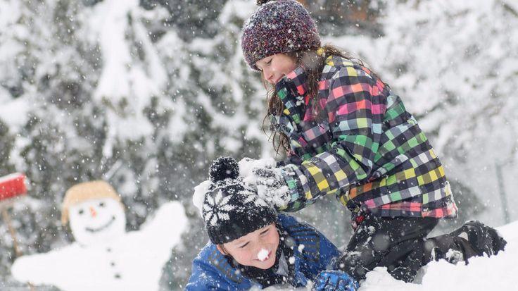 Schneeschuhwandern & Wellness mit Hund am Faaker See in Kärnten im hundefreundlichen Dorfhotel Schönleitn. 3 Nächte inkl. Verwöhnpension ab € 279,00 pro Person