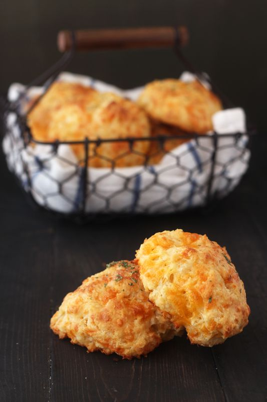 Homemade Cheesy Garlic Biscuits from Handletheheat.com