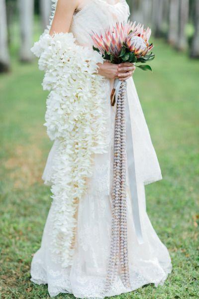 Hawaiian wedding inspiration: http://www.stylemepretty.com/2014/05/23/romantic-hawaiian-bridal-inspiration/   Photography: Carmen & Ingo - http://carmenandingo.com/